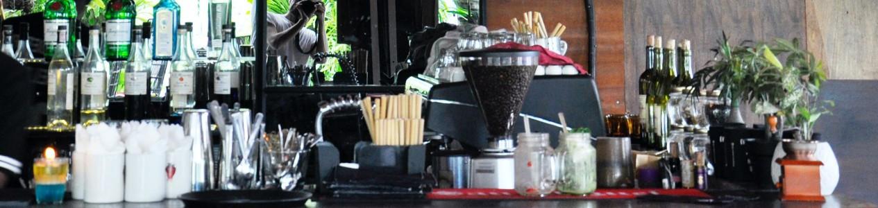La table et le bar